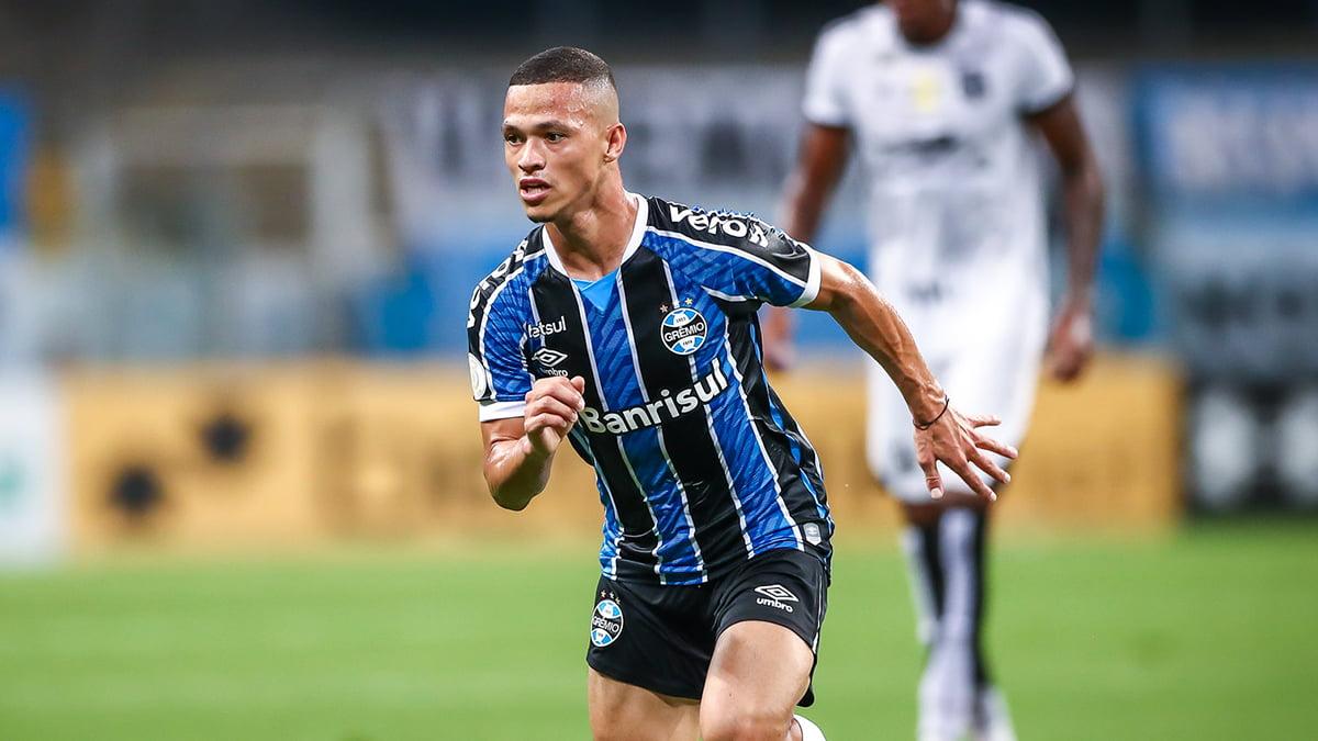 Volante do Grêmio entra na mira de clubes europeus, afirma TV